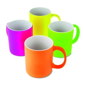 Fluoriscējošas krāsas krūzītes<br>Pieejamas dažādas krāsas<br>Tilpums: 330 ml